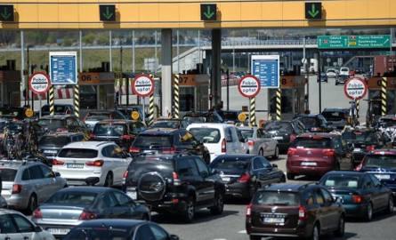 Kierowcy jadący autostradą A1 w kierunku Łodzi muszą liczyć się ze sporymi utrudnieniami.