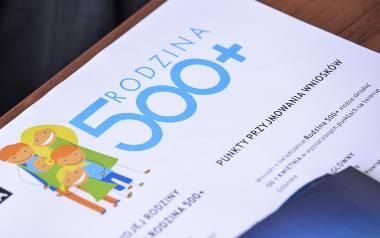 Warszawa bez wypłat 500 plus? Trzaskowski do Morawieckiego: brakuje 584 mln złotych. Rząd uspokaja: pieniądze są zabezpieczone