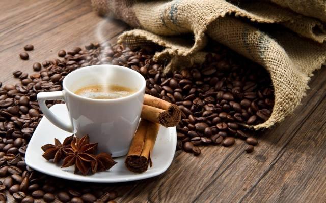 Anyż idealnie sprawdza się jako dodatek do kawy nadając jej przyjemnego, korzennego aromatu.