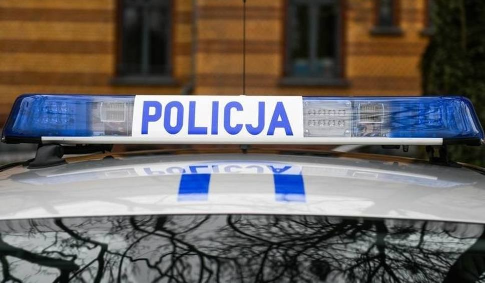 Film do artykułu: W powiecie kazimierskim kierowca porsche wydmuchał ponad promil