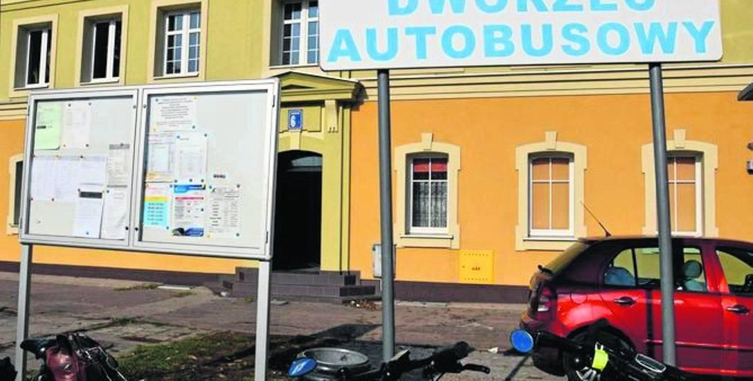Tak dziś wygląda dworzec autobusowy w Szczecinku - na czas remontu ulicy Kolejowej zlikwidowano wiaty