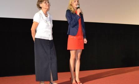 Karola Skowrońska ( z lewej) mówiła: - Jest z nami współtwórca filmu Andrzej Szenajch, kostiumograf. Z prawej - Joanna Chylińska, szefowa Heliosa w