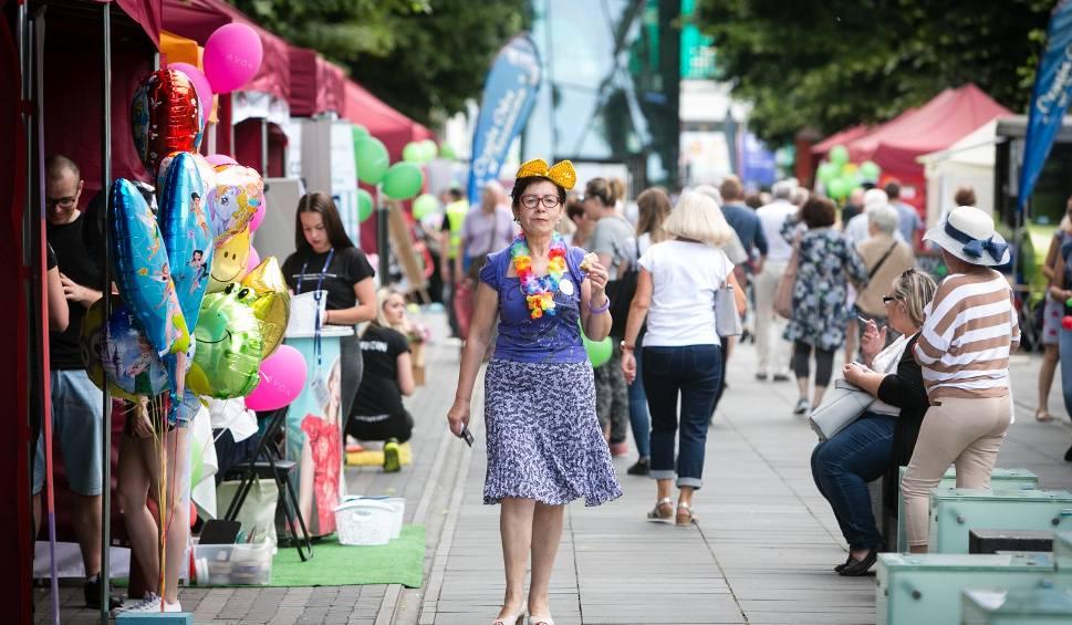 Film do artykułu: Kolorowa Aleja - weekendowe wydarzenia na Alei Kwiatowej w Szczecinie [ZDJĘCIA, WIDEO]