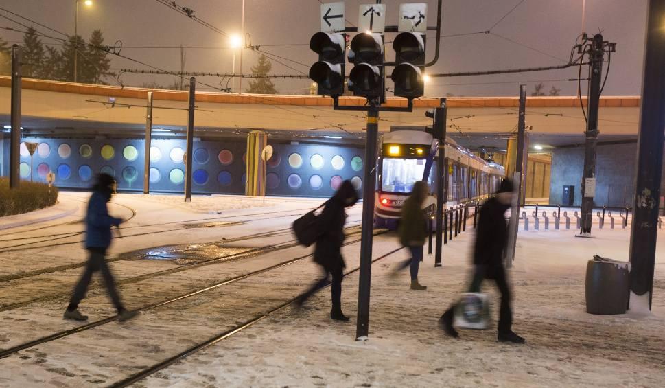 Film do artykułu: Smog w Krakowie. 17 grudnia darmowa komunikacja miejska w Krakowie