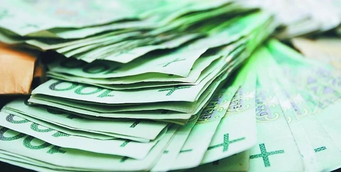 W ubiegłym roku mediana zarobków dla pracowników w Szczecinie     wynosiła 4200 zł