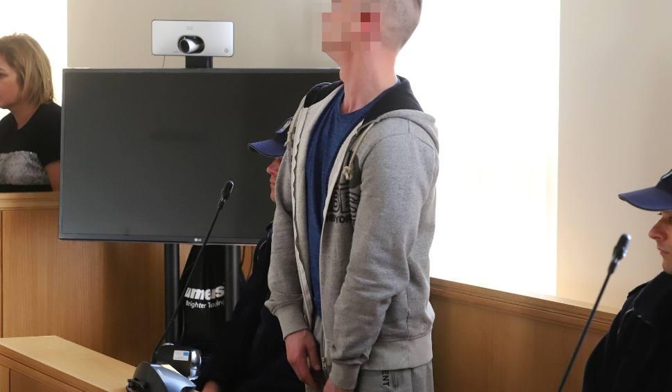 Film do artykułu: Radom. 25 lat więzienia za makabryczny mord w mieszkaniu na ulicy Kolberga. 31-latek sterroryzował i zamordował 66-letnią kobietę