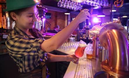 Z alkoholi najwięcej wydajemy na piwo i wódkę