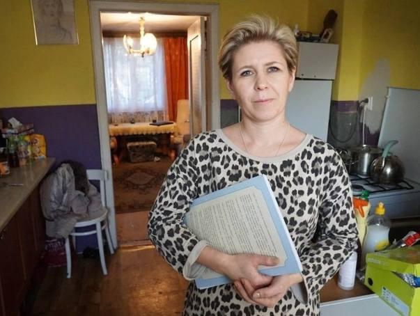 ZKZL zaproponował pani Dorocie i jej dzieciom trzypokojowe mieszkanie w bloku