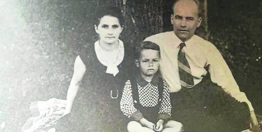 Władysław Gomułka z żoną i synem w 1934 roku. Za: Władysław Gomułka Pamiętniki, t. I.