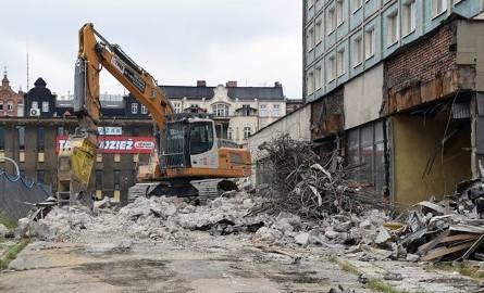 Rozbiórka hotelu Silesia w Katowicach. W tym miejscu ma powstać nowy kompleks biurowy