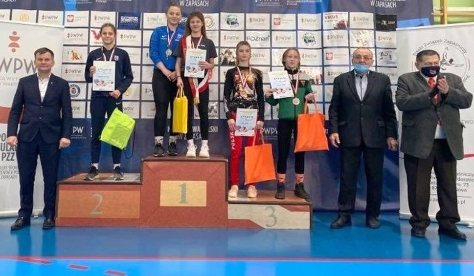 Film do artykułu: Maja Majdańska mistrzynią Polski w zapasach! Zawodniczka Agrosu w finale położyła rywalkę na łopatki