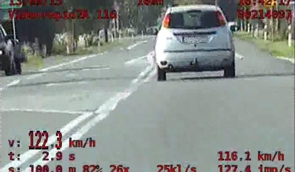 Film do artykułu: Buscy policjanci w dwa dni zatrzymali pięć praw jazdy