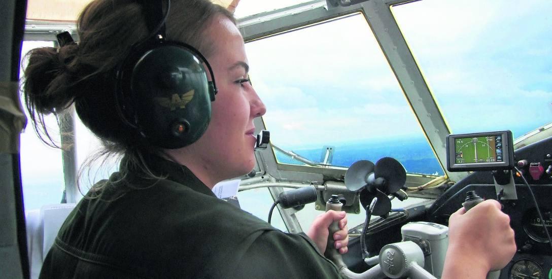 """,,Czy leci z nami pilot?"""" Tak! Kobieta. Faceci nie mają monopolu na latanie"""