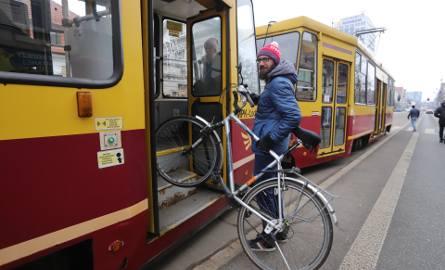 Przewóz rowerów w tramwajach MPK Łódź może zostać ograniczony.