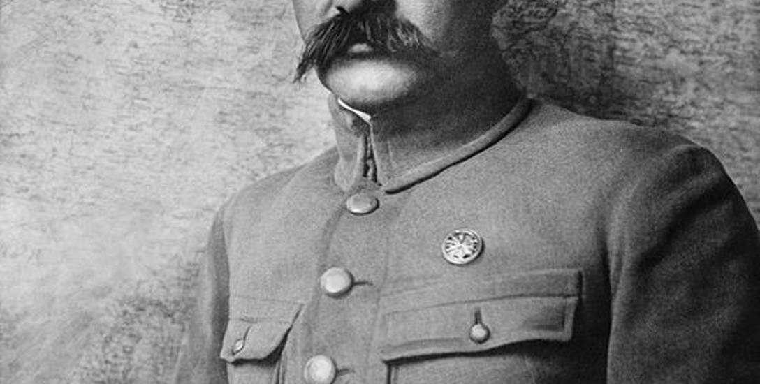 Józef Piłsudski złożył urząd Naczelnika Państwa na ręce prezydenta RP Gabriela Narutowicza 14 grudnia 1922