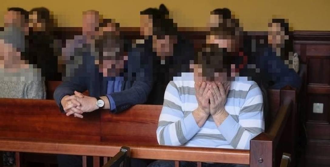 Aż 29 osób liczy ława oskarżonych w procesie handlarzy nielegalnymi papierosami. Takiej sprawy nie było od dawna