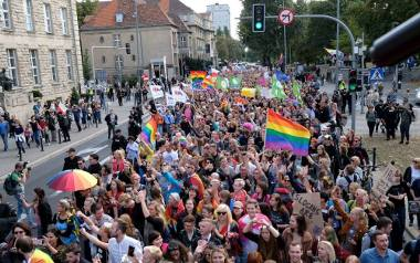 Marsz Równości przeszedł przez Poznań. Było kolorowo!