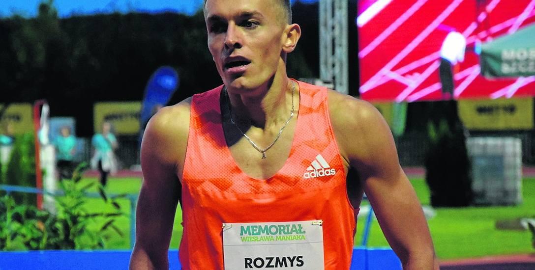 23-letni Michał Rozmys urodził się w Lubsku. W przeszłości reprezentował barwy Agrosu Żary.