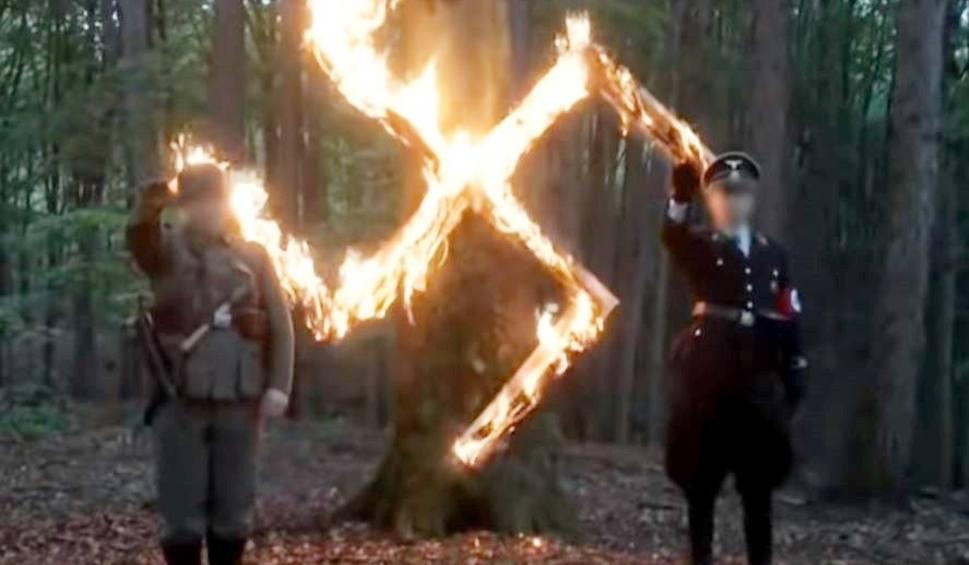 Film do artykułu: Akt oskarżenia za urodziny Hitlera: Polscy naziści z Dumy i Nowoczesności oskarżeni o propagowanie nazistowskiego ustroju państwa