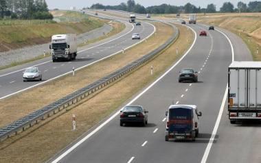 Hałas z autostrady A1 jest zbyt duży. NIK wskazuje, że przekroczenie norm hałasu ma miejsce w nocy.
