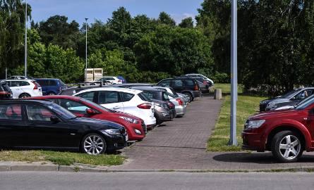 Twój samochód ciągle jest obijany na parkingach? Są proste i tanie sposoby, aby sobie z tym poradzić