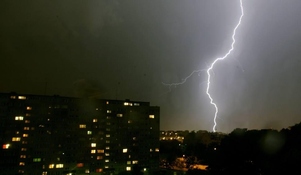 Film do artykułu: Gdzie jest burza i grzmi 31.07.2019. Radar burzowy - Opole i Opolszczyzna