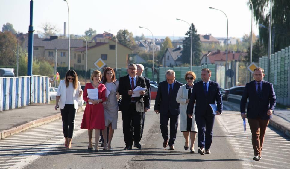 Film do artykułu: Minister Andrzej Adamczyk w Sandomierzu. Mówił o remoncie mostu na Wiśle i budowie ulicy Lwowskiej bis (ZDJĘCIA)