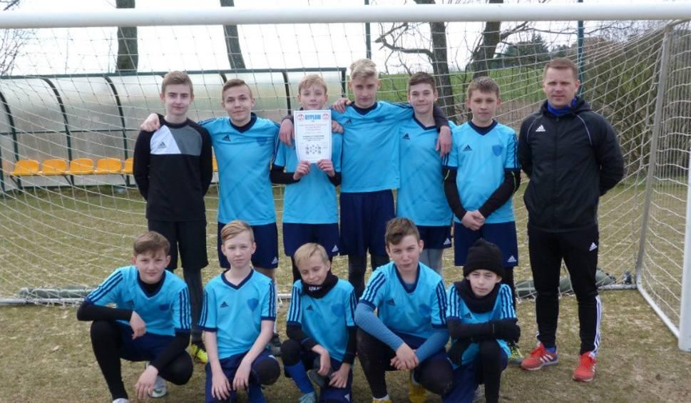 Film do artykułu: Uczniowie z Belska Dużego zwyciężyli w Mistrzostwach Powiatu Grójeckiego w Piłce Nożnej Chłopców