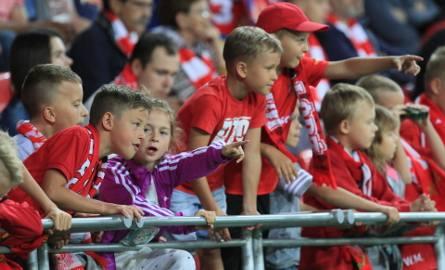 Kibice Widzewa wypatrują na nowych piłkarzy