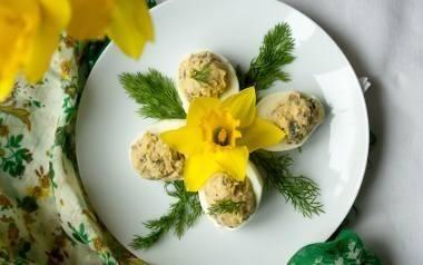 Wielkanocne jajka faszerowane.