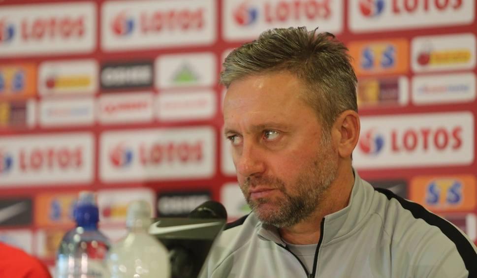 """Film do artykułu: Brzęczek skrytykował Lewandowskiego. """"Piłkarze powinni skoncentrować się na wykonywaniu zadań, które narzucone są przez trenera"""""""