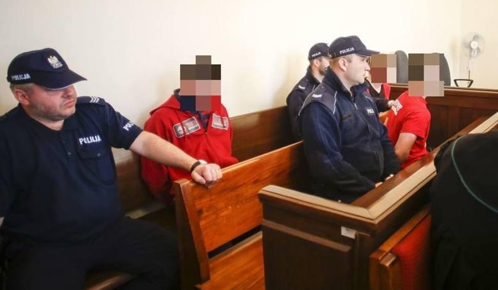 """Film do artykułu: Sprawa tortur i zbiorowego gwałtu na 18-latku wróci do gdańskiego sądu. Wyroki dla 4 oprawców, 4-6 lat więzienia """"rażąco"""" łagodny?"""