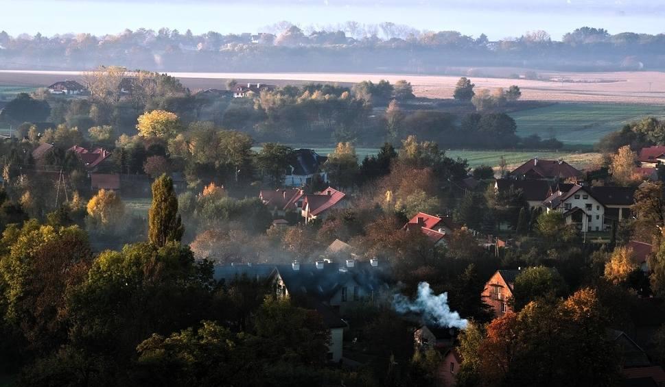 Film do artykułu: Pogoda na sobotę, 20 października: chłodno, chmury, smog WIDEO + ZDJĘCIA