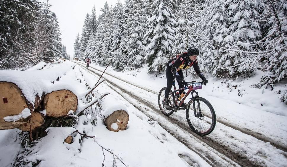 Film do artykułu: Kolarstwo górskie. Cyklokarpaty 2019 - trudny wyścig w Wierchomli [ZDJĘCIA]