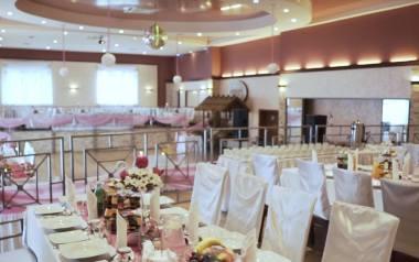 Hotel Odeon - idealne miejsce na przyjęcie weselne. Bogate i wykwintne propozycje dań, przestronne wnętrza.