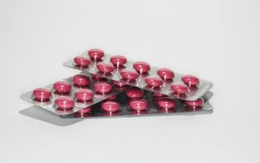 Główny Inspektor Farmaceutyczny tylko w ostatnim czasie wycofał ze sprzedaży w aptekach w całej Polsce kilkanaście różnych leków. Na liście preparatów,