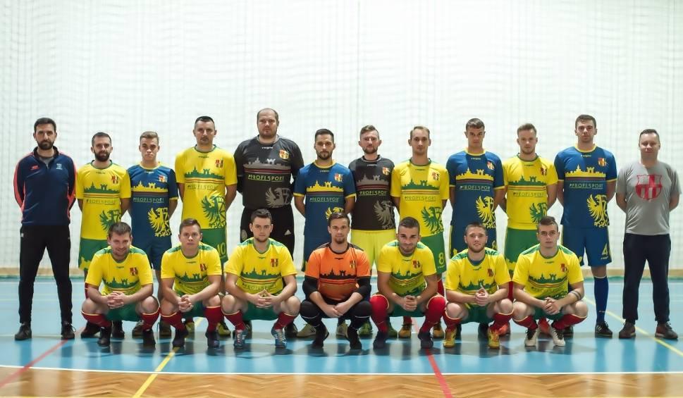Film do artykułu: Bongo Krapkowice i Plon Błotnica Strzelecka startują w 2 lidze futsalu