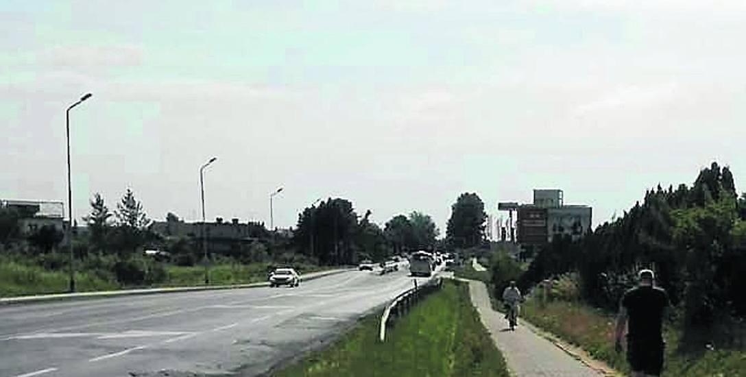 Chodnik przy ul. Szczecińskiej ma zostać ułożony na nowo.