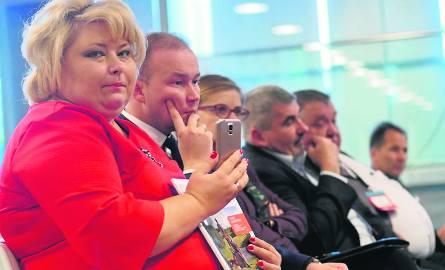 Dyskusję na kongresie wykorzystała Ewa Kulikowska, burmistrz Sokółki przypominając, że samorządy Czarnej Białostockiej, Kuźnicy i  Sokółki apelują, aby