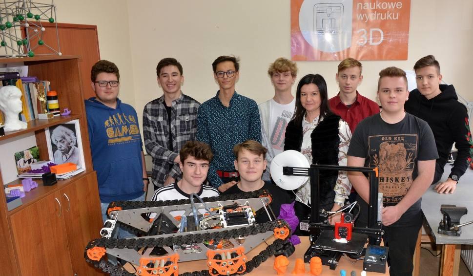 Film do artykułu: Młodzi i zdolni uczniowie z II Liceum Ogólnokształcącego w Końskich wydrukowali w 3D nawet... czołg [WIDEO]