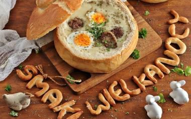 Zupa chrzanowa w domowym chlebie.