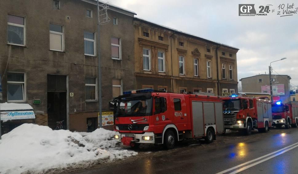 Film do artykułu: Pożar domu. Ewakuowano dziesięć osób