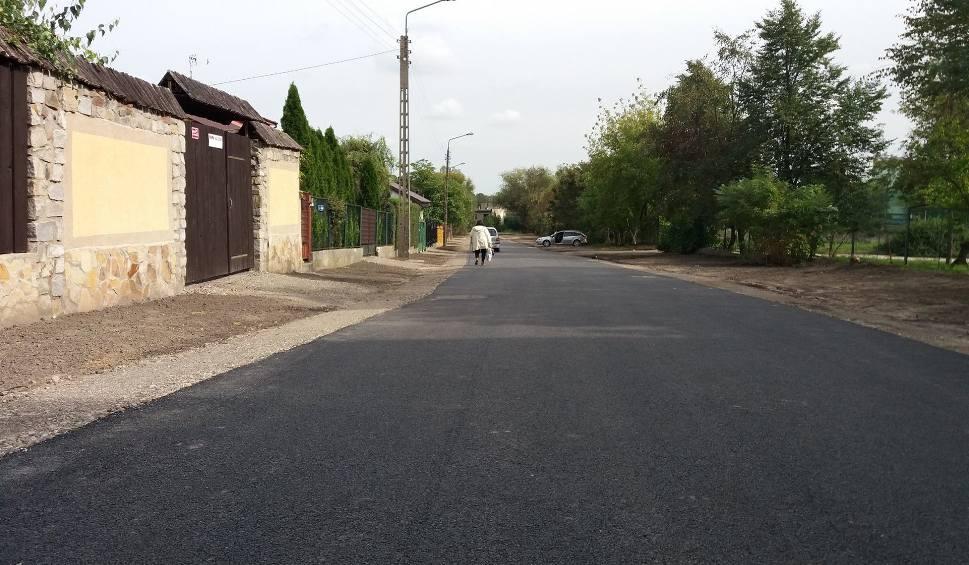 Film do artykułu: Radomski Program Drogowy. Coraz więcej ulic ma nawierzchnię asfaltową