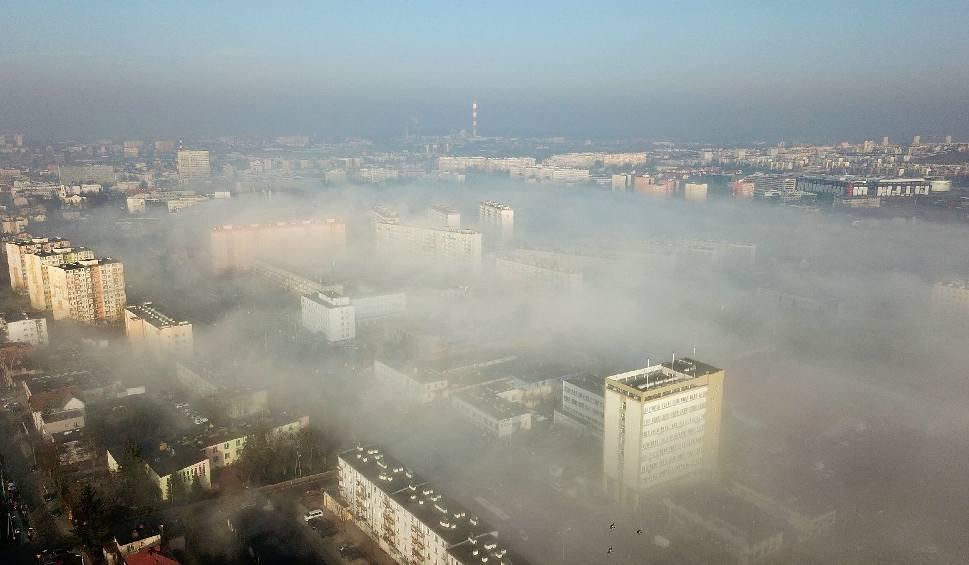 Film do artykułu: Smog w Świętokrzyskiem. Skąd bierze się zabójczy pył? (WIDEO, ZDJĘCIA)