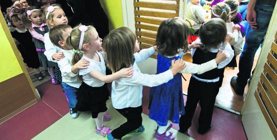 - W przedszkolach dla nikogo nie zabraknie miejsc, jak trzeba będzie to wykupimy też usługi w prywatnych placówkach - zapewniają władze miasta.