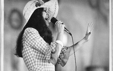 Anna Jantar zginęła, mając zaledwie 30 lat. Mimo młodego wieku wylansowała wiele przebojów, które do dziś pojawiają się w radiu, w telewizji i na płytach.