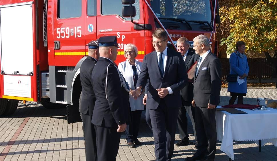 Film do artykułu: Druhowie z Kłyżowa mają nowy samochód ratowniczo-gaśniczy