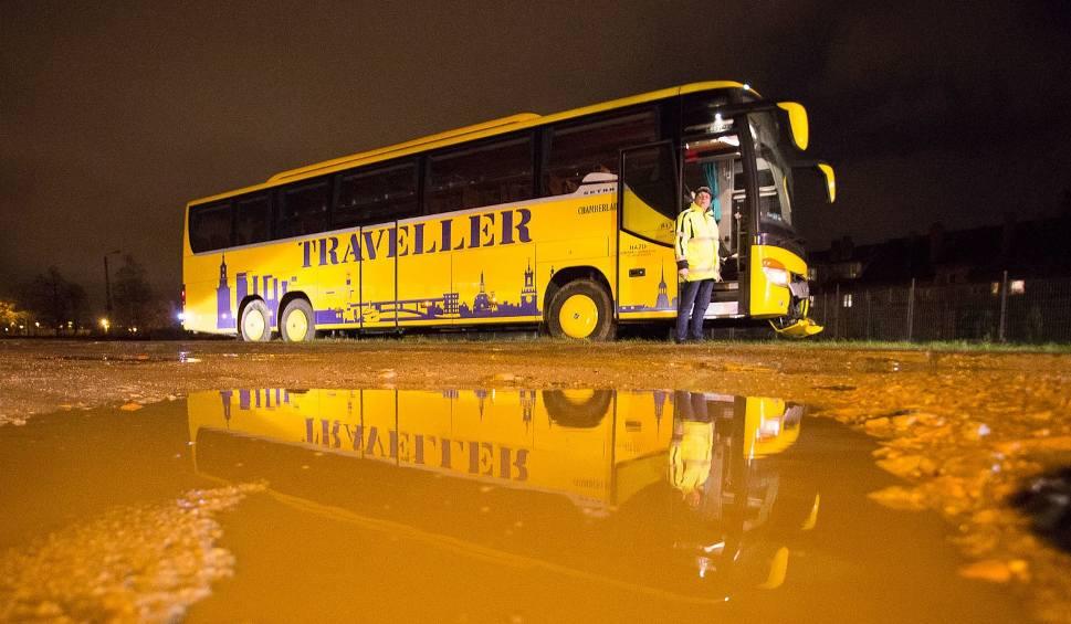Film do artykułu: Autobus drużyny z Sopotu ugrzązł w błocie [zdjęcia, wideo]