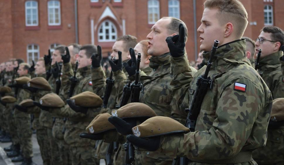 Film do artykułu: Przysięga Wojsk Obrony Terytorialnej w Malborku 24.02.2019. Trzecia grupa ochotników zasiliła 7 Pomorską Brygadę OT [ZDJĘCIA]