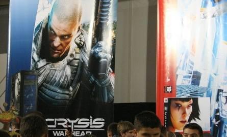 Wielkie i kolorowe banery to nieodłączne i atrakcyjne elementy targów gier komputerowych.